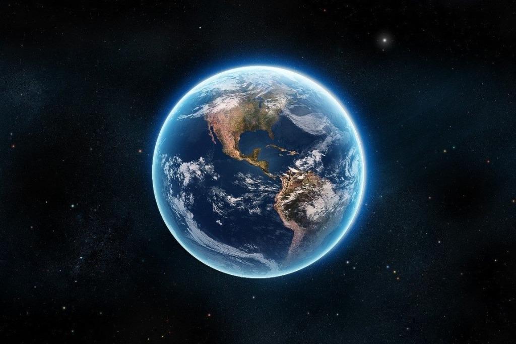 Почему Земля вращается вокруг своей оси?